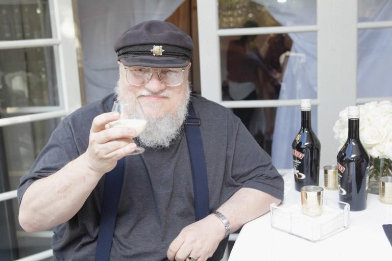 Игры Джорджа Мартина: создатель «Песни льда и пламени» предлагает фанатам убить их за $20 тысяч