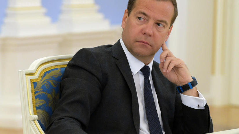Дмитрий Медведев подписал постановление о продлении продуктового эмбарго