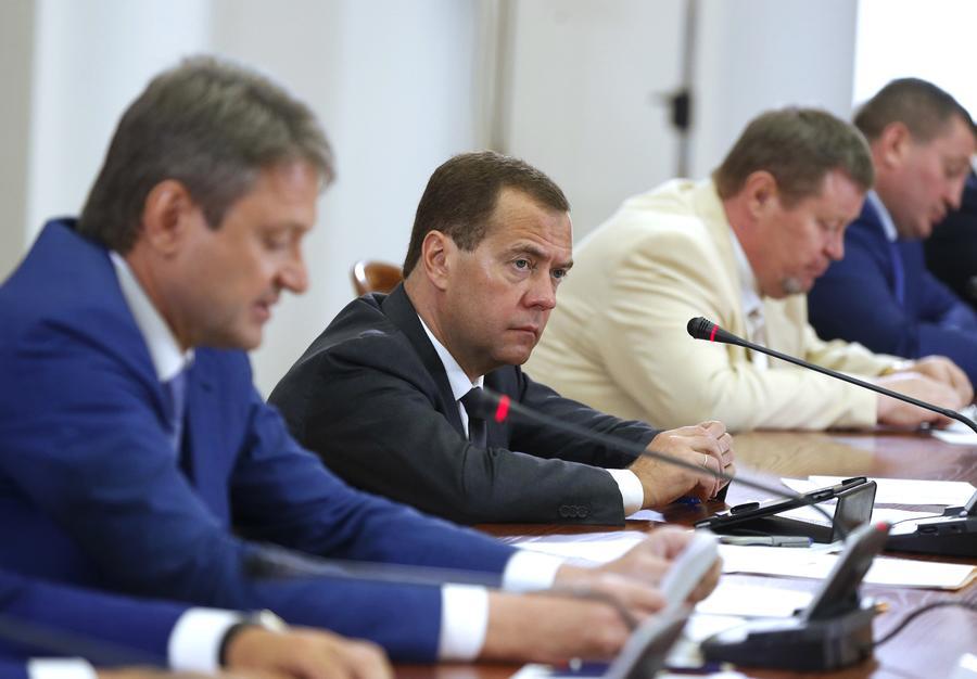 Дмитрий Медведев: Кабмин обратится к президенту по вопросу расширения списка стран по продэмбарго