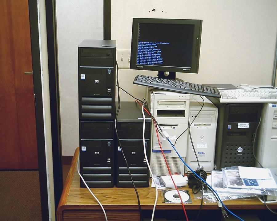 Американские чиновники уничтожили исправные компьютеры, испугавшись мифической кибератаки