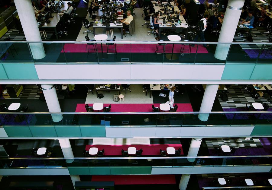 Исследование: социальные сети повышают производительность труда