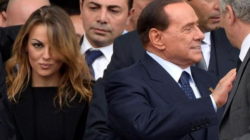 Невеста Берлускони просит Папу Римского выслушать «трагедию Сильвио»