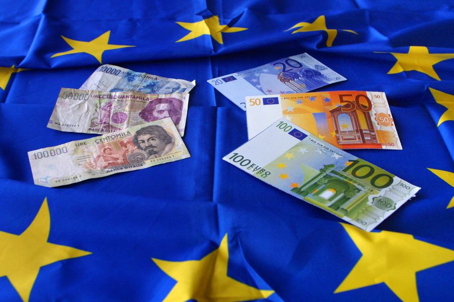 Итальянский политик намерен вынести на референдум вопрос об отказе страны от евро