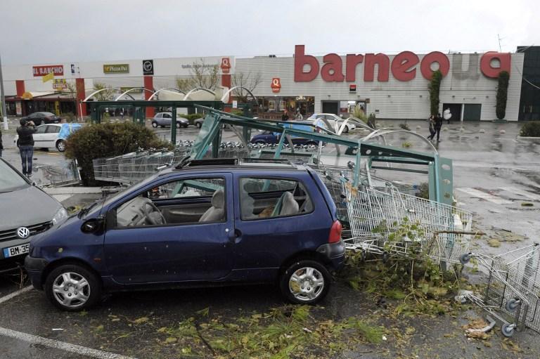 Ураган обесточил юго-запад Франции