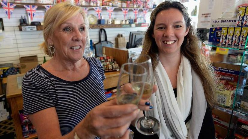 Долги на дне бутылки: британцы оставляют в пабах слишком много денег