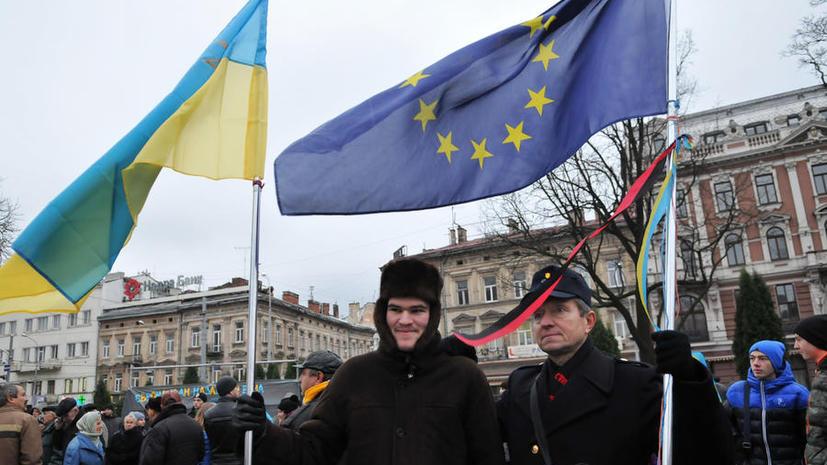 NYT: Война и бедность посеяли зерно сомнения в проевропейской Украине