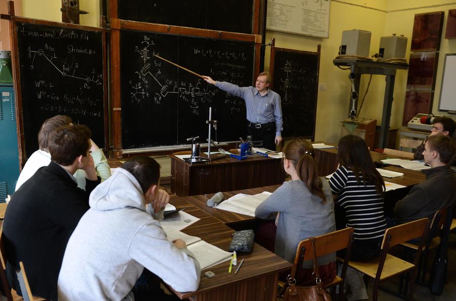 СМИ: Плату за обучение в российских государственных вузах не будут увеличивать в течение трёх лет