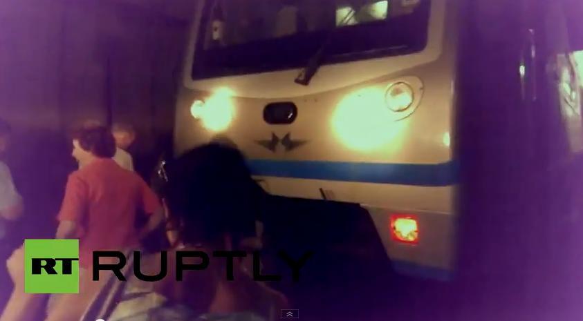 Свидетель трагедии в метро: Мне повезло, что я не успел на тот поезд