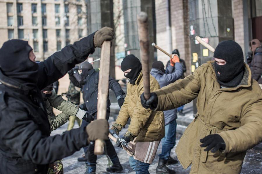 «Правый сектор» перенёс штаб из Киева в Днепропетровск, чтобы следить за обстановкой на Донбассе