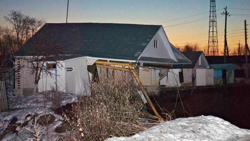 В Нижегородской области воронка поглотила три дома