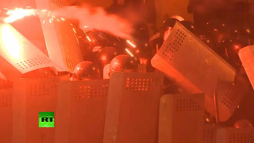 В Киеве продолжается противостояние властей и оппозиции