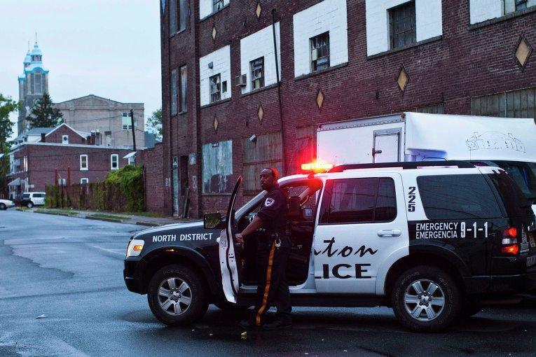 В Нью-Джерси завершена операция по освобождению троих детей: преступник убит