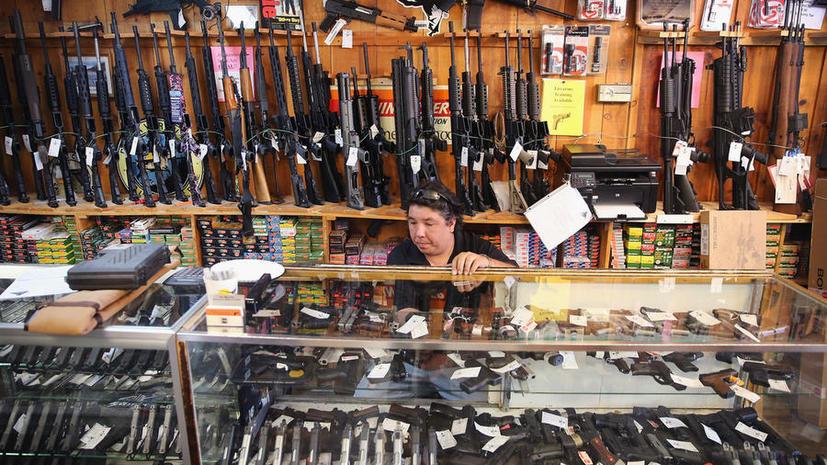 Меч, гранаты, пистолеты: американцы всё чаще пытаются провезти оружие в ручной клади