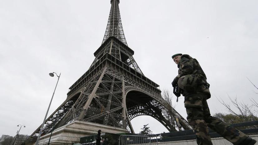 Экс-глава Пентагона: Теракты в Париже связаны с недостатком разведданных у французских спецслужб