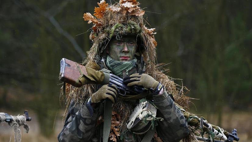 СМИ: Польша ставит под ружьё школьников и экстремистов