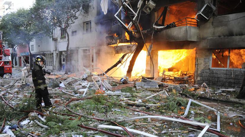 В Аргентине взорвался жилой дом: 12 человек погибли, более 60 ранены