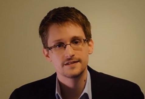 Эдвард Сноуден поздравил Челси Мэннинг с получением премии Сэма Адамса