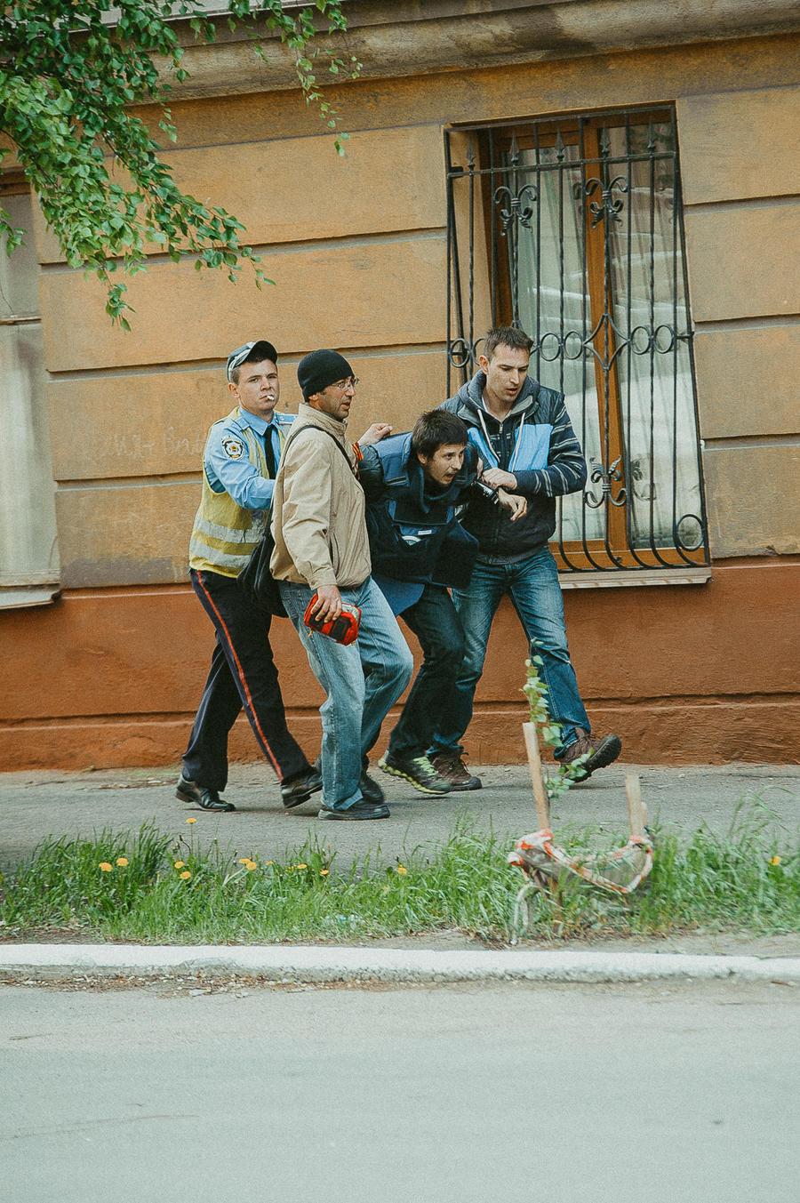 Самолёт с раненым видеожурналистом RT вылетел из Донецка