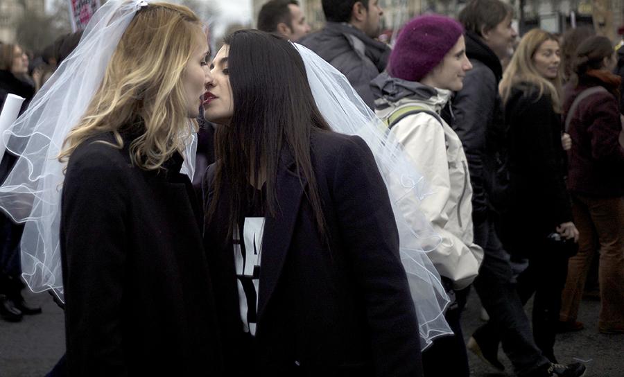 Однополые пары смогут венчаться в Вашингтонском национальном соборе