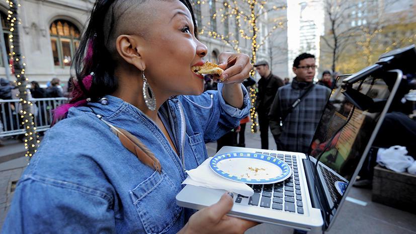 Исследование: Пользователи Facebook - это толстые снобы с долгами