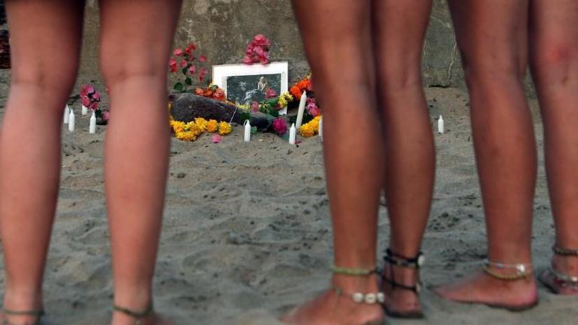 Министр правительства Гоа предложил ввести запрет на мини-юбки и бикини