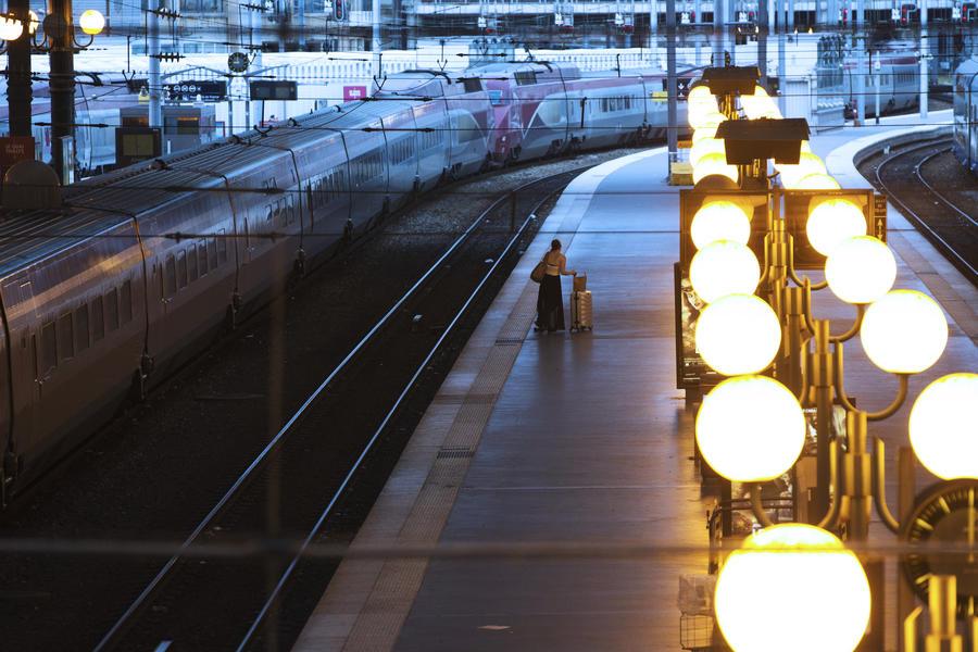 При столкновении поездов в Алма-Ате пострадали 50 человек