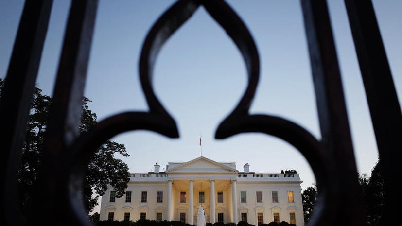 Сотрудник Белого дома лишился работы из-за критики правительства Обамы в Twitter