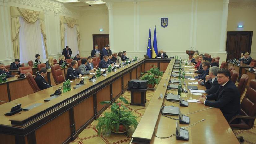 Министры-иностранцы вынудили Арсения Яценюка разговаривать в правительстве на русском