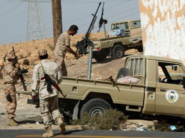 Ливийские ополченцы взяли Бени-Валид, мирные жители бегут из города