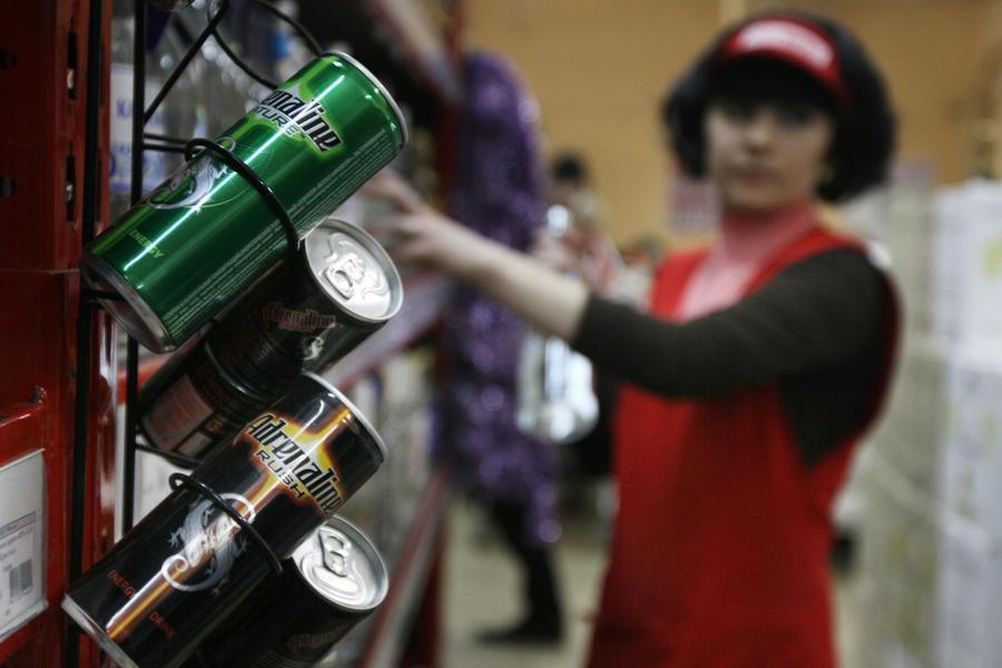 СМИ: Законодатели намерены приравнять все энергетики к алкоголю