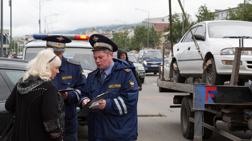 В России вступили в силу новые правила эвакуации автомобилей