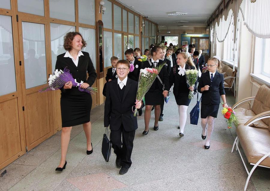 СМИ: Расходы на подготовку детей к школе в России впервые снизились