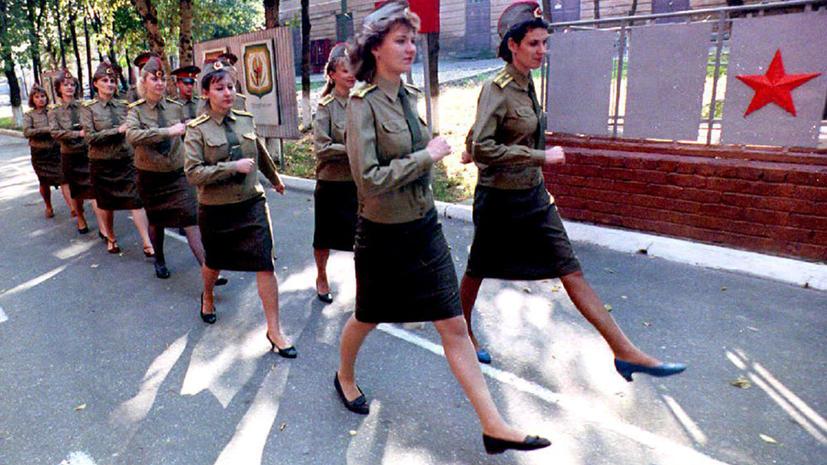 Депутаты Госдумы хотят призвать женщин в армию
