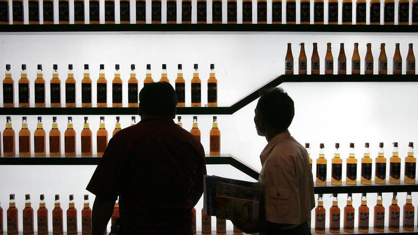 СМИ: Роспотребнадзор продолжит искать некачественный импортный алкоголь