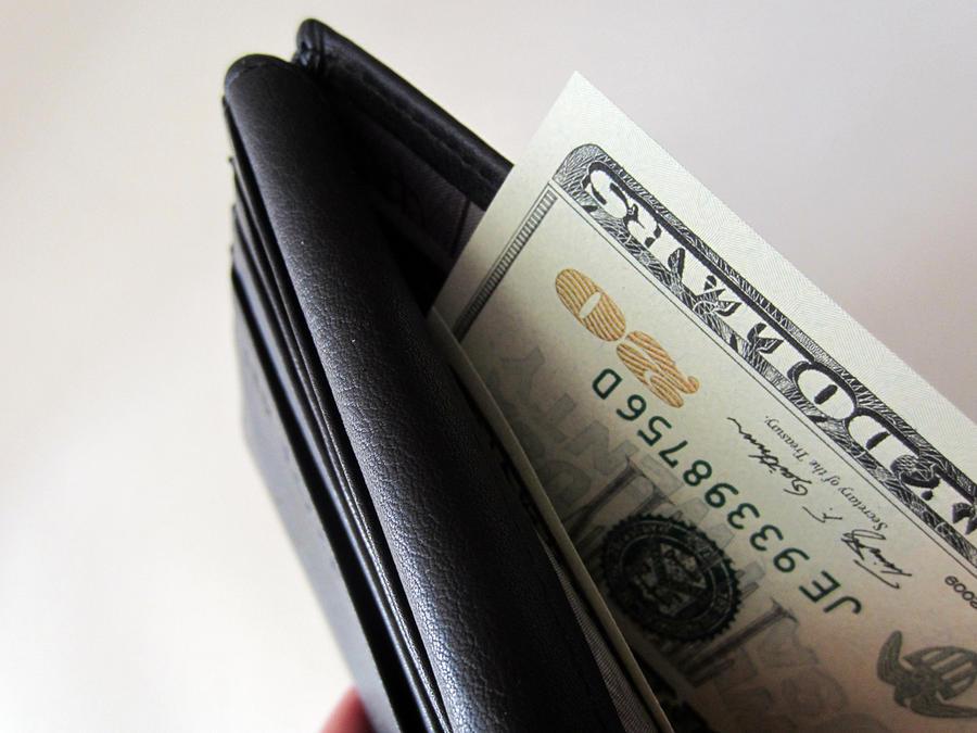 Бездомный в США нашёл кошелёк с $500 и вернул его полиции