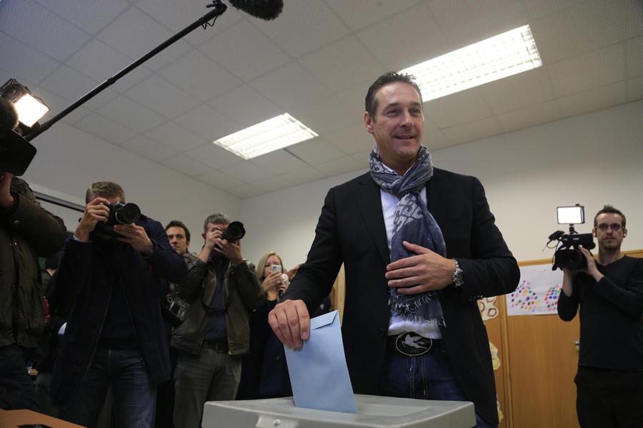 На выборах в Австрии побеждает правящая коалиция