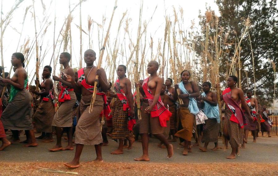 Власти одного из городов Свазиленда запретили жителям целоваться