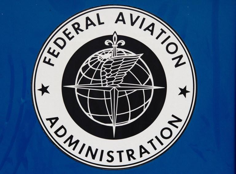 Авиационные власти США могут разрешить пользоваться гаджетами на борту