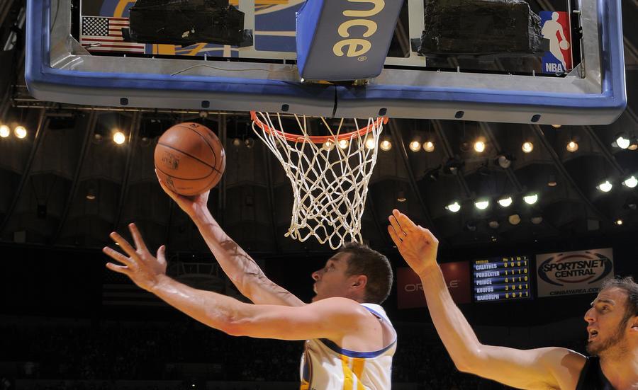 Идея «смешанного баскетбола» стала предметом споров в американских СМИ