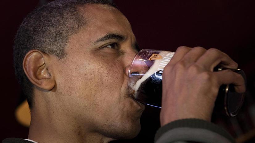 Барак Обама проспорил премьер-министру Канады два ящика пива