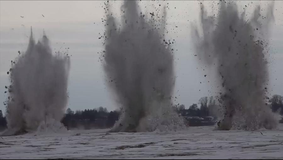 В борьбе с паводками в Вологодской области МЧС РФ задействует авиацию Минобороны