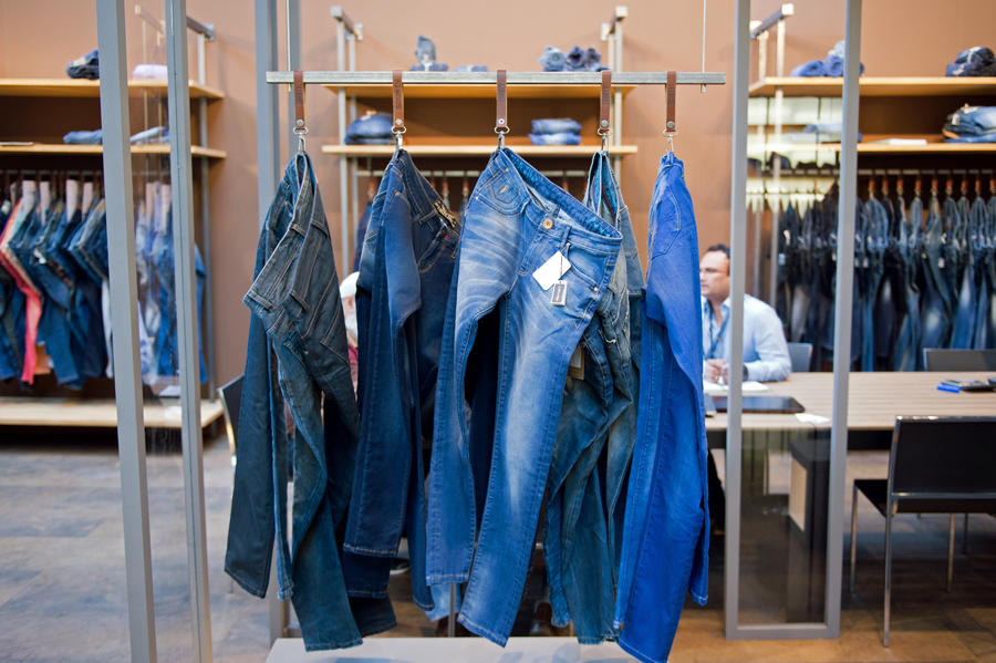 Евросоюз притесняет американских производителей джинсов