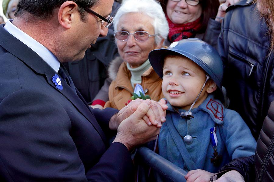 Президент Франции предложил отменить в школах домашние задания: они провоцируют классовое неравенство