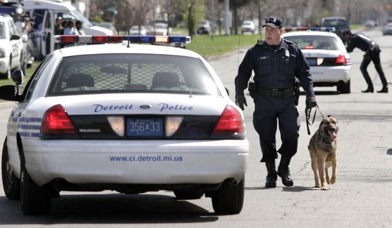 Американский полицейский испугался собаки и подстрелил напарника