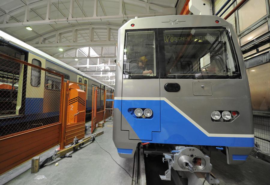 Поезда московского метро с 2015 года начнут ездить без машинистов