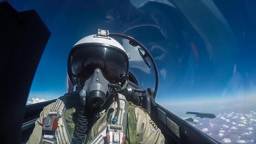 Минобороны: Система прицеливания самолётов ВКС РФ позволяет камнем попасть в черенок лопаты