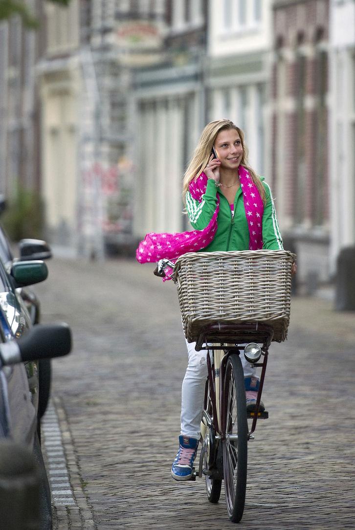 В Бельгии мобильные телефоны будут рекламировать как опасные для здоровья устройства