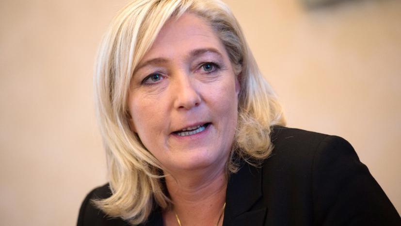 Франция требует от Европарламента лишить иммунитета Марин Ле Пен за расизм