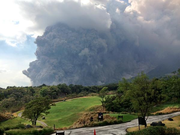 В Гватемале началось извержение вулкана Фуэго, аэропорт столицы закрыт