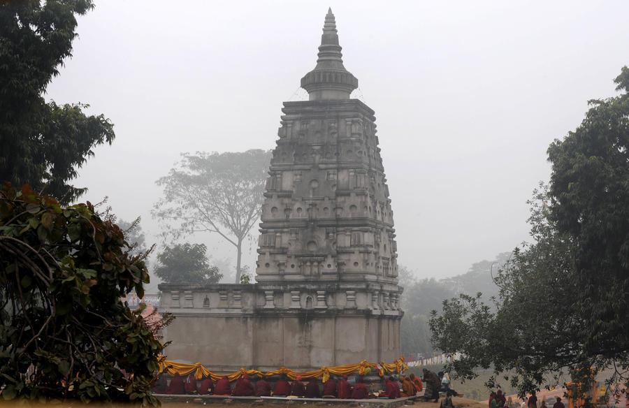 В буддийском храме на востоке Индии прогремели 5 взрывов, ранены два человека